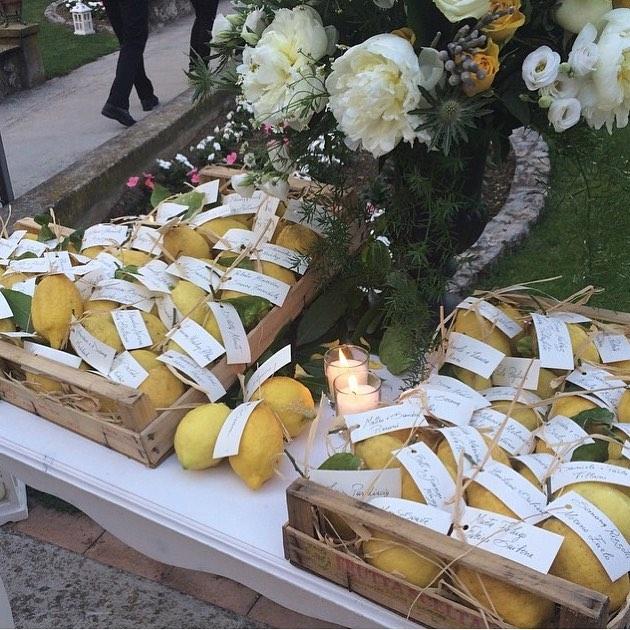 escort card su tema limoni e agrumi ravello