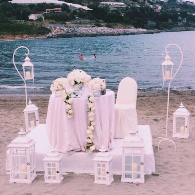 matrimonio al mare total white tema bianco romantico elegante aiuto