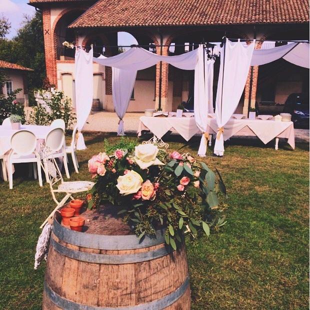 matrimonio rustic chic elegante cascina caremma con fiori rosa wedding planner