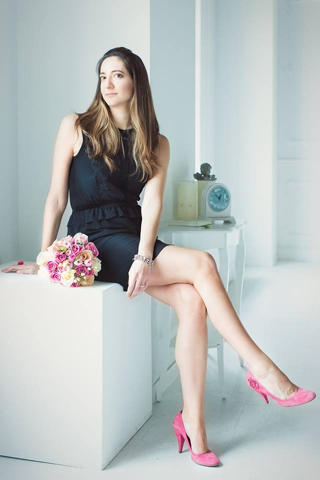 shooting fotografico wedding planner colorato di pink scarpe pink