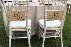 tema rustic chic matrimonio sedie mr e mrs cartelli
