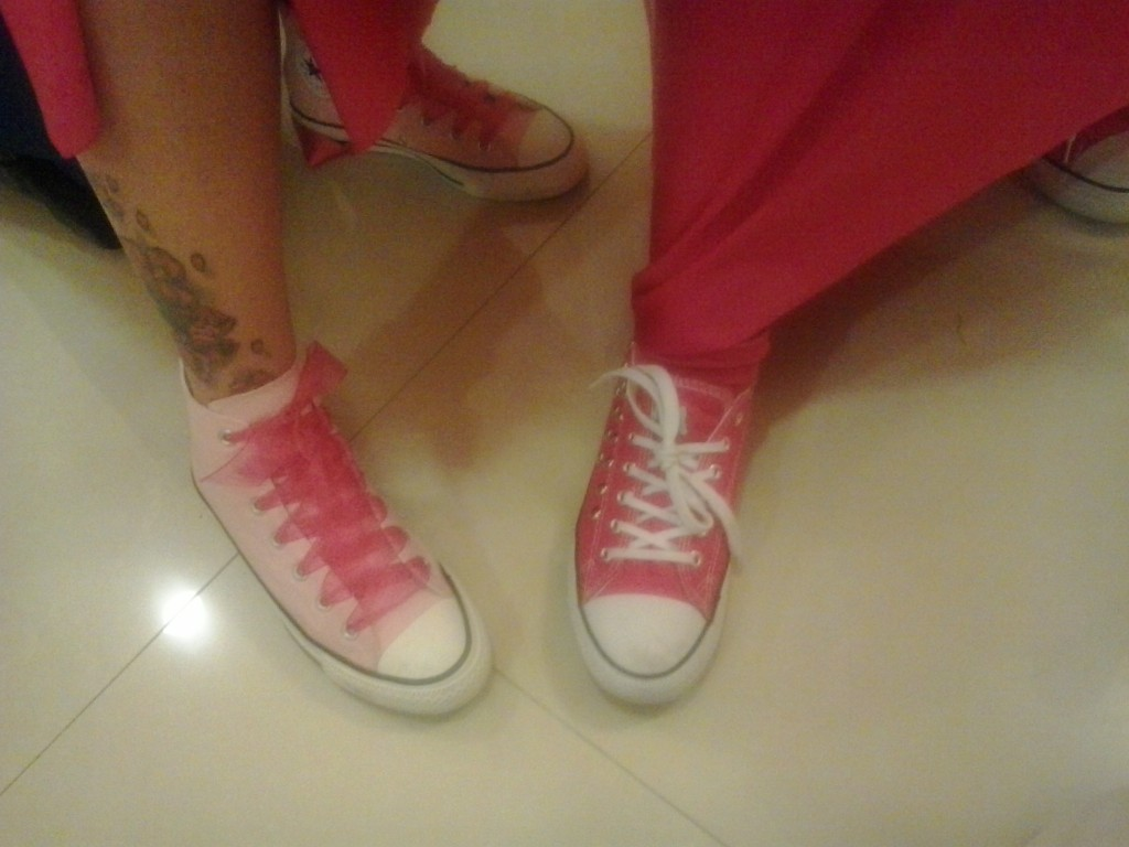 real wedding pink converse