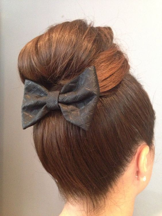 fiocco nei capelli