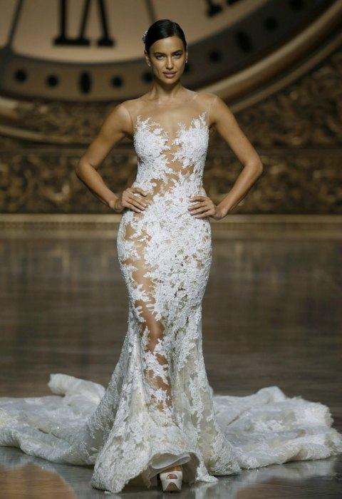 abito da sposa irina shayk per pronovias