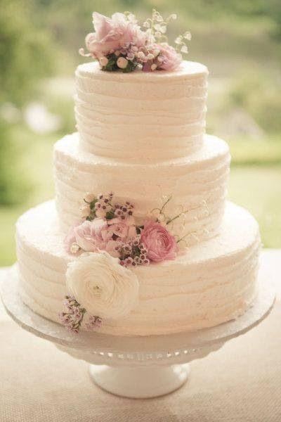 wedding cake tema matrimonio romantico con le ruffles cake