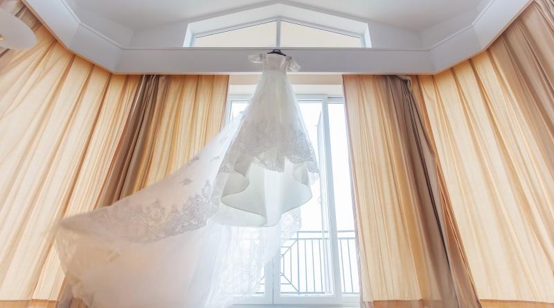 Ecco in che modo il tuo abito da sposa potrebbe essere d'intralcio nel giorno del matrimonio