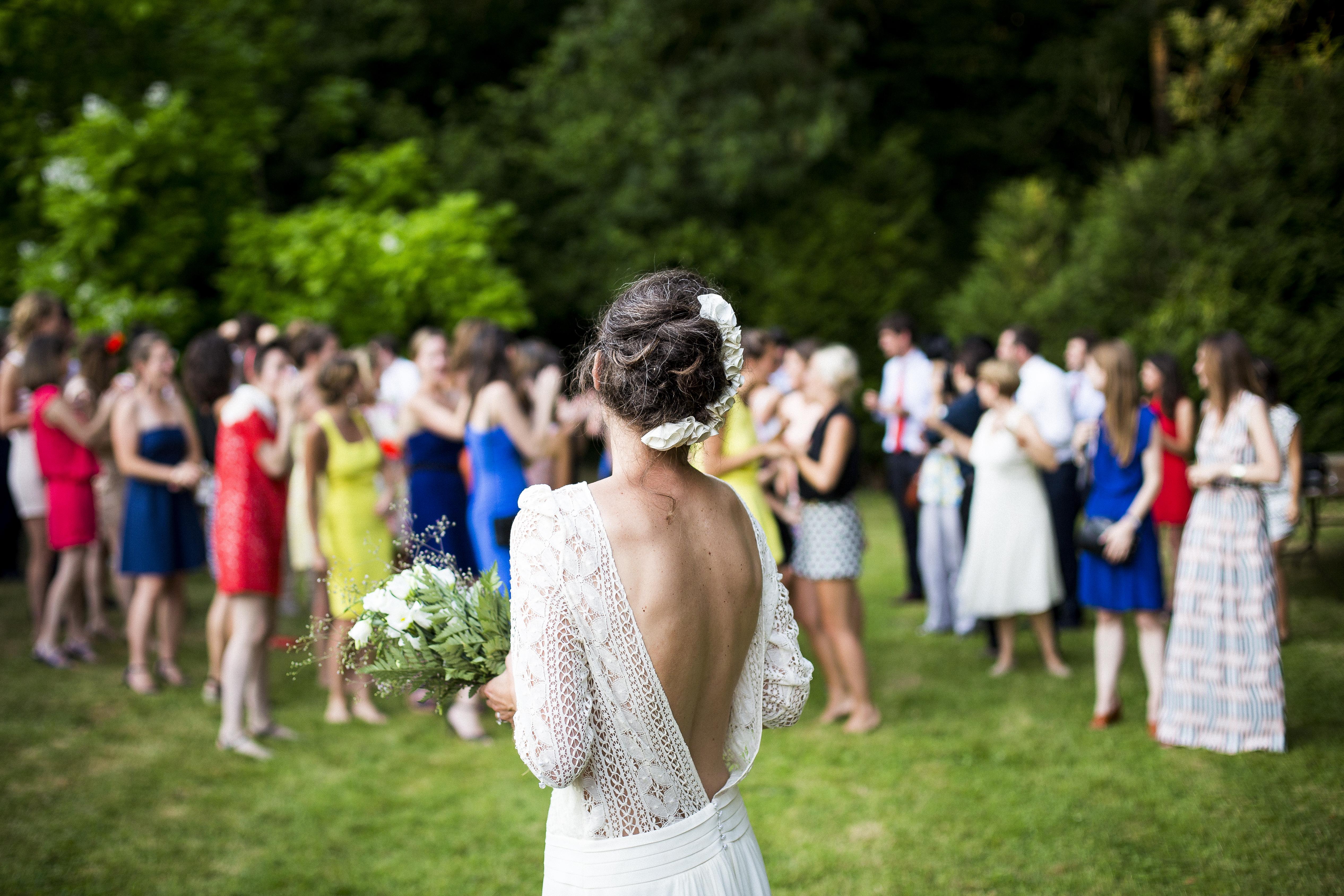 Sei invitata e stai cercando l'abito per matrimonio? Ecco i consigli per non sbagliare look ed essere perfetta!