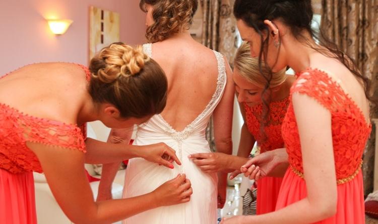 Come coinvolgere le amiche nel matrimonio?