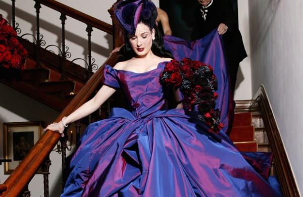 abito da sposa colorato viola