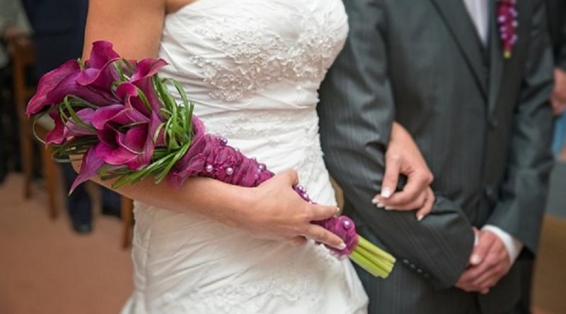 Bouquet Sposa Galateo.Bouquet Il Complemento Dell Abito Da Sposa Colorato Di Pink