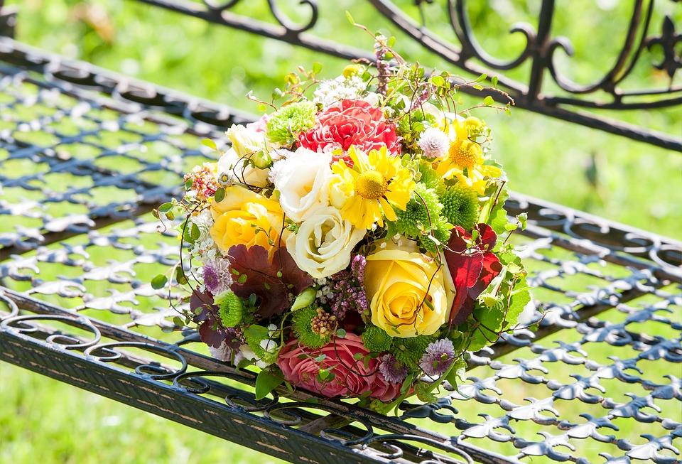 giardino fiorito in location