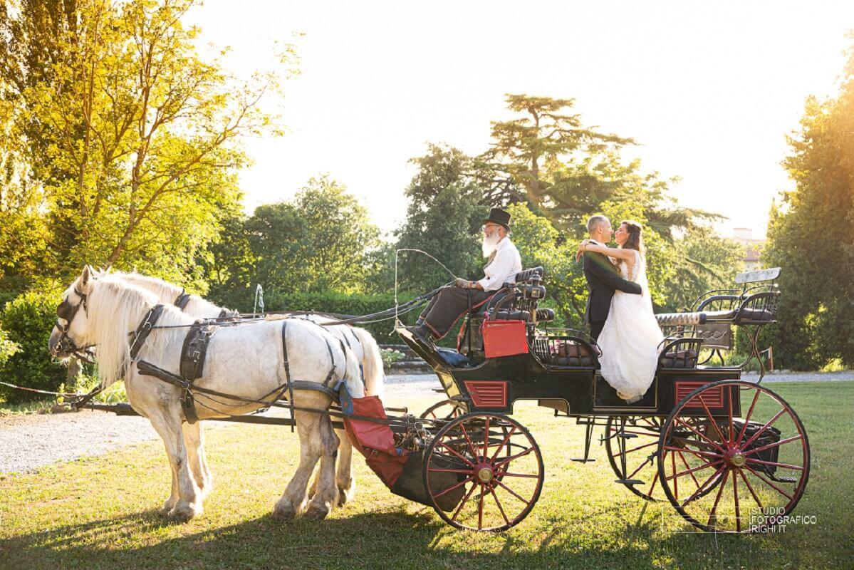 carrozza per gli sposi