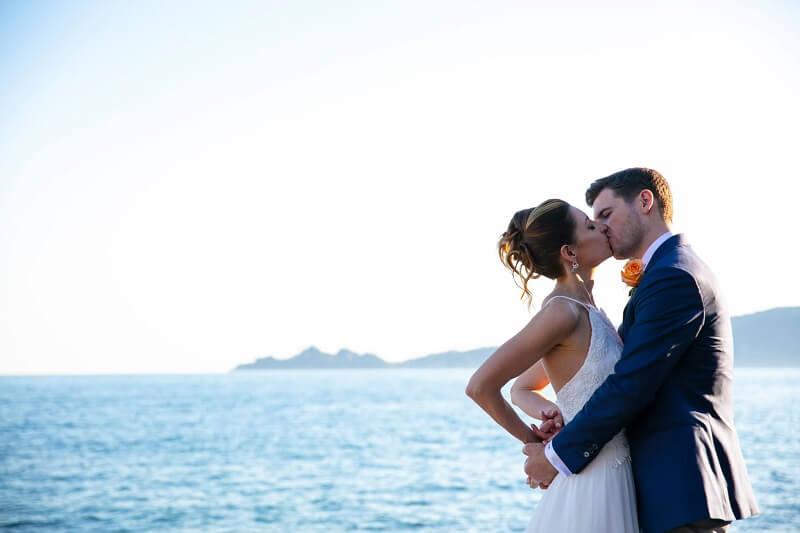 Tema living coral per un matrimonio al mare